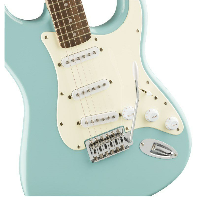Bullet Strat with Tremolo(Tropical Turquoise/Laurel Fingerboard)_3