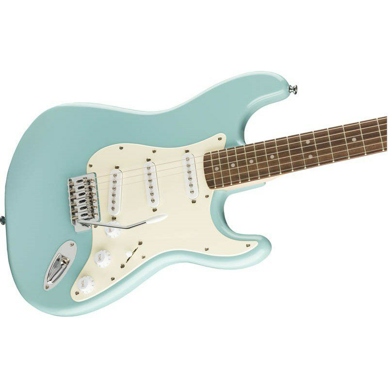 Bullet Strat with Tremolo(Tropical Turquoise/Laurel Fingerboard)_4